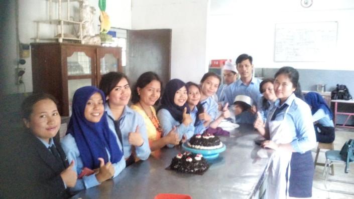 Hasil praktek mahasiswa perhotelan dibidang pastry