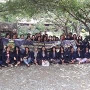 Mahasiswa dan Mahasiswi beserta Dosen Akademi Pariwisata dan Perhotelan Darma Agung Sosialisasikan Sapta Pesona ke Bukit Lawang