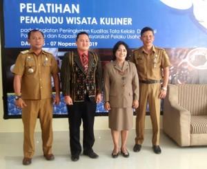 Foto: (kiri-kanan) Camat Silahi Sabungan Esra Nahampun, Gerald Simanjuntak, Dra. Binur Napitupulu dan Kadis Disparbud Dairi Drs. Leonardus Sihotang.