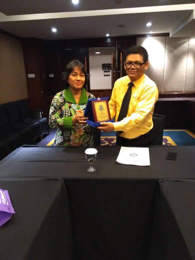 Akademi Pariwisata & Perhotelan Darma Agung Medan dengan Grand El Royale Hotel Bandung